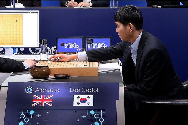 Mars 2016 –  Alpha Go à Séoul – Un bel exemple d'Humain et de Digital…