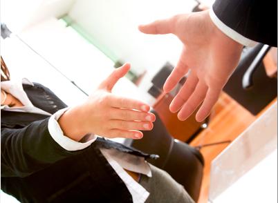 Votre poignée de main : convaincre avant même de parler – partie 2